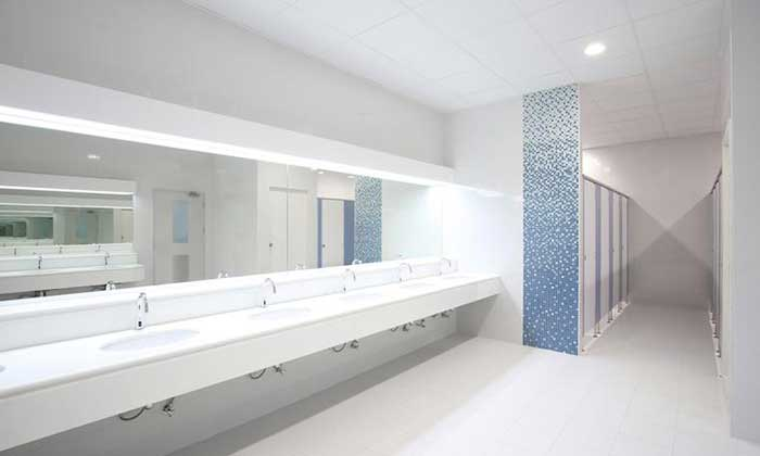 Pisos de plástico para banheiros e saunas: muito mais segurança em ambientes úmidos